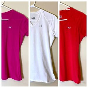 3 UNDER ARMOUR  v-neck t shirts small loose fit